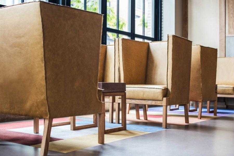 bar design ideas with modern chairs
