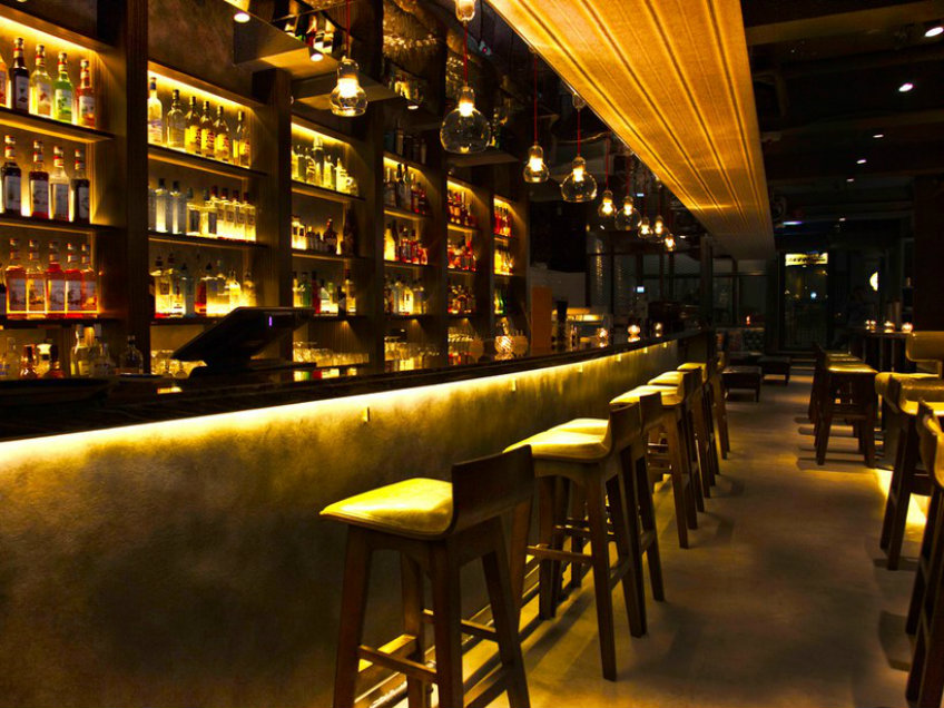 Top 10 Hong Kong Best Bars that Worth a Visit