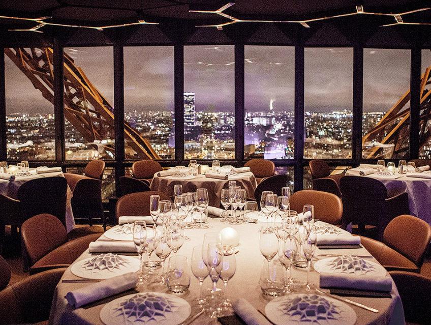 le jules verne luxurious restaurants paris