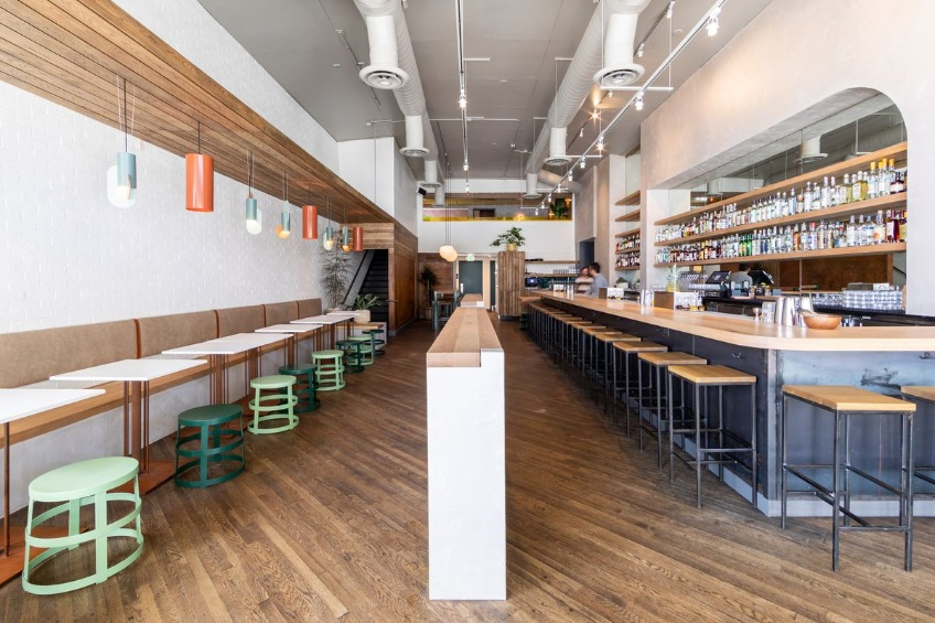 Modern Decor Restaurant - Elda Bar